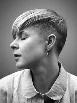Robyn photographed by Pierre Bjrk